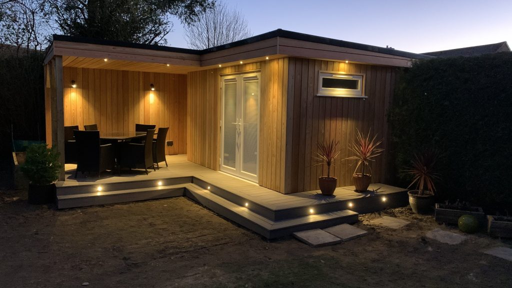 Insulated Garden Room, beautifully lite